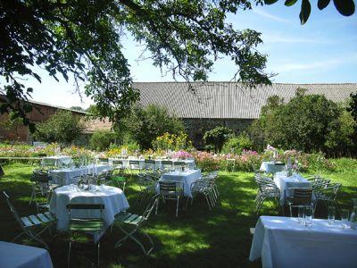 Gartengluck Wegendorf Garten Hochzeitsgarten Hochzeit Feiern